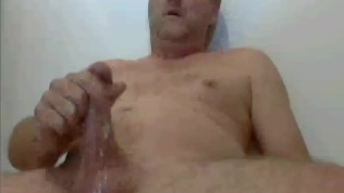cumming on webcam daddy