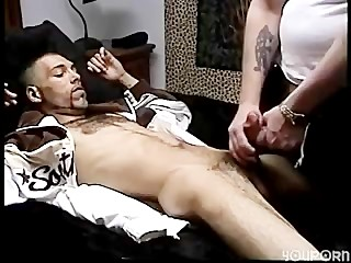 Sucking Enrique